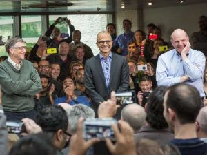 bill-gates-steve-ballmer-and-satya-nadella-greet-microsoft-employees