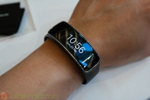 samsung-gear-fit-03